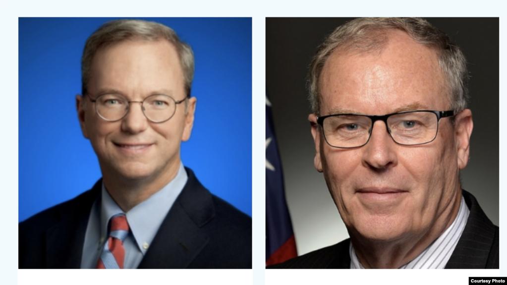 谷歌前首席执行官埃里克·施密特(Eric Schmidt )(左)和美国前副国防部长沃克(Robert Work)是国家人工智能安全委员会的正副主席(photo:VOA)
