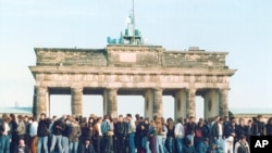 GERMNAY BERLIN WALL 1989