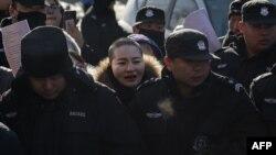 VOA连线(申华):709案律师家属上书近五千各级人大代表