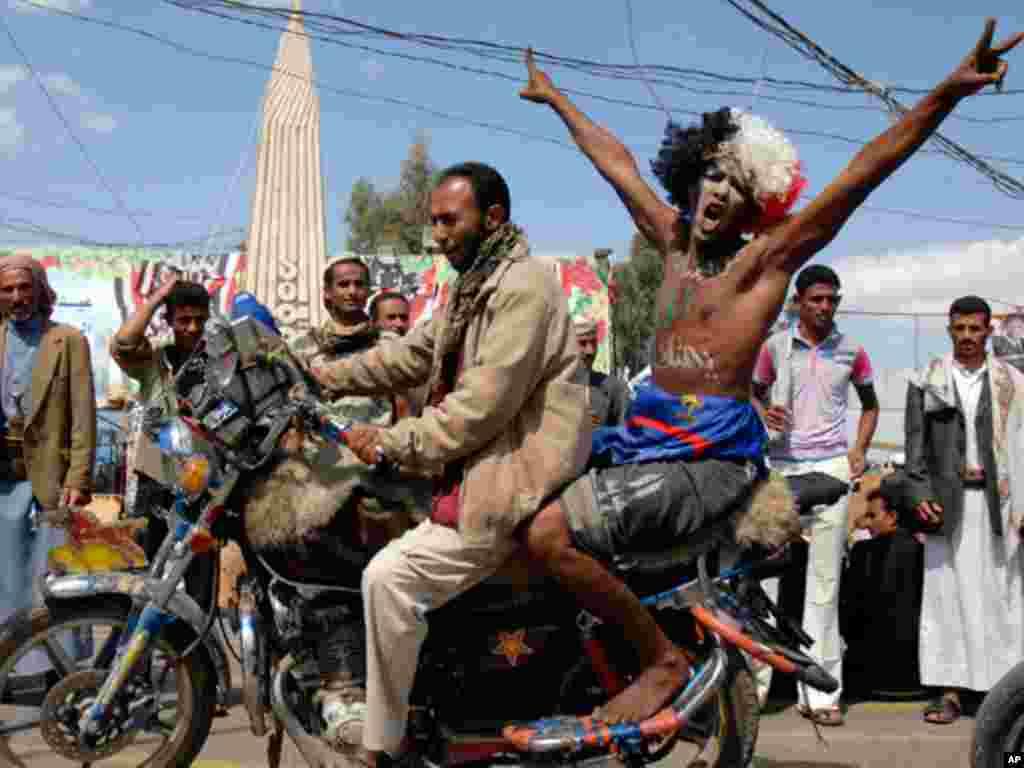 Anti-Saleh protesters in Yemen. (Reuters)