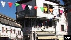 Motivet e 100 vjetorit të Pavarësisë frymëzojnë artizanët në Gjirokastër