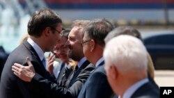 Srpski premijer Aleksandar Vučić dočekuje članove Predsjedništva BiH
