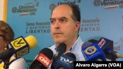 Julio Borges, denunció que horas antes del cierre de urnas, el CNE ya tiene redactado un boletín oficial sobre los resultados de la votación.