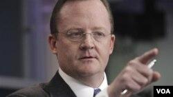 Juru Bicara Gedung Putih Robert Gibbs memberikan keterangan kepada para wartawan situasi di Mesir, Senin (1/31).