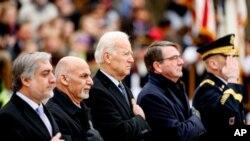 محمد اشرف غنی رئیس جمهور و عبدالله عبدالله رئیس اجرائیه در سفر چند ماه قبل شان به واشنگتن