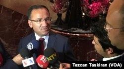 بکیر بوزداغ معاون نخست وزیر و سخنگوی دولت ترکیه - آرشیو