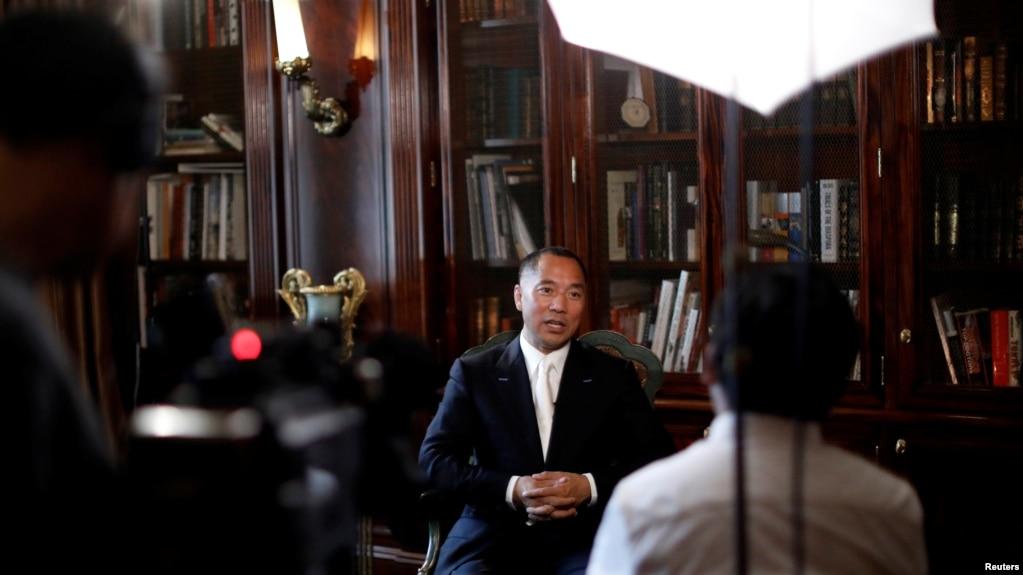 流亡美国的中国富商郭文贵在纽约接受采访(2017年4月30日)。