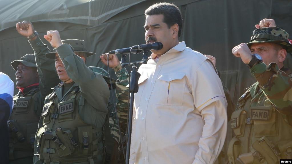Ông Maduro dự một cuộc diễn tập quân sự hôm 10/2.