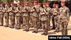 ARCHIVES-Des militaires français