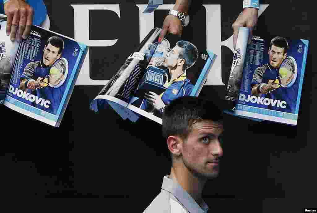 Novak Djokovic posle pobede nad Argenticem Leonardom Majerom na Australijskom Openu u Melburnu.