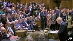 PM Inggris Boris Johnson menyampaikan pidato di hadapan para anggota parlemen Inggris (House of Commons) di London, 19 Oktober 2019.