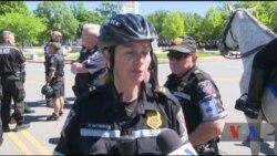 Ось як американські поліцейські віддають шану загиблим колегам. Відео