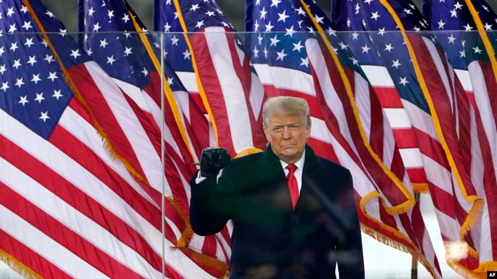 Demokratët përshpejtojnë përpjekjet për shkarkimin e Presidentit Trump