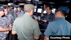 Presiden Joko Widodo memberi arahan kepada Panglima TNI dan para kepala Staf TNI di Natuna (foto: ilustrasi). Tentara AS mengaku bersalah