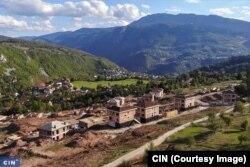 """Umjesto da saniraju klizište, arapski ulagači su ilegalno gradili 27 vila u """"Saraya Resortu"""", udaljenom šest kilometara od Baščaršije (Foto: CIN)"""
