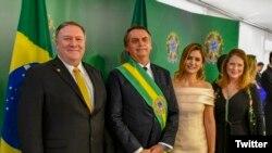 Mike Pompeo (esq) e Jair Bolsonaro (Dir)
