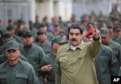 니콜라스 마두로 베네수엘라 대통령이 30일 베네수엘라 카라카스의 포트 티우나(Fort Tiuna) 군사기지를 방문했다.