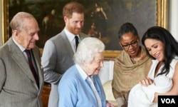 小王子见伊丽莎白女王和菲利普亲王