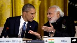 Tổng thống Obama nói chuyện với Thủ tướng Narendra Modi của Ấn Độ tại Phòng Đông của Tòa Bạch Ốc ở Washington (Ảnh tư liệu tháng 3 năm 2016)