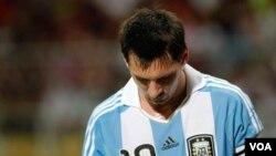 Lionel Messi no logró liderar a su equipo a una victoria y Argentina cayó por primera vez en la historia ante Venezuela.