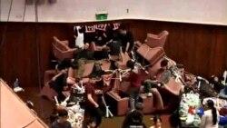 2014-03-25 美國之音視頻新聞: 馬英九將與抗議學生舉行對話
