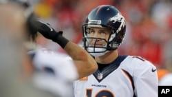 Peyton Manning tuvo otro partido de récords contra los Jefes de Kansas. Nuevamente ha puesto a los Broncos en control de la AFC Oeste.