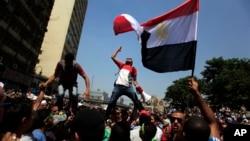 阿拉伯之春運動蔓延至埃及﹐民眾上街示威將前總統穆巴拉克趕下台。