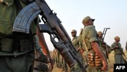 Trois mouvements rebelles déposent les armes dans l'ouest