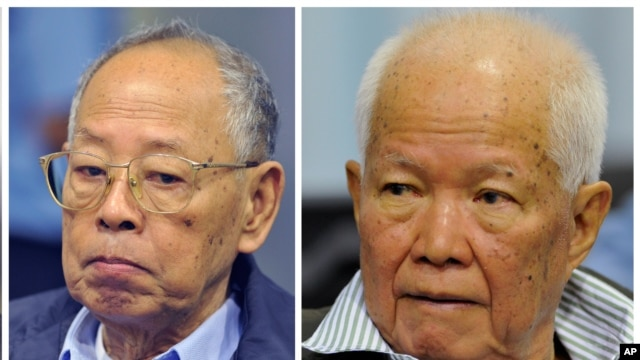 Ieng Sary, left, former Khmer Rouge foreign minister, and Khieu Samphan, former Khmer Rouge head of state, during a trial for former Khmer Rouge top leaders, in Phnom Penh, file photo.
