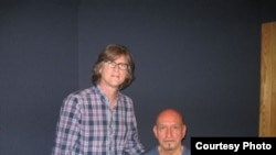 Бен Кингсли и Ричард Транк на озвучании фильма Courtesy Moriah Films