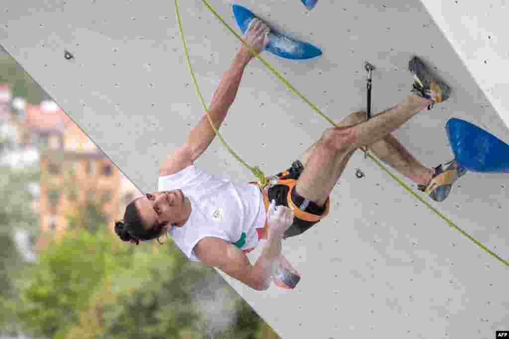 مسابقات سنگنوردی قهرمانی جهان در اتریش. در ماده کمباین علی برات زاده با حریفان به رقابت پرداخت.