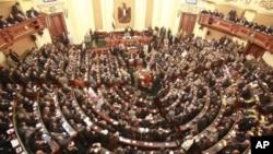 埃及议会1月23日在前总统穆巴拉克被推翻后首次举行会议