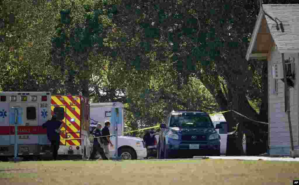 پولیس نے بتایا ہے کہ کار کے تعاقب کے دوران یا تو حملہ آور نے اپنے آپ کو گولی ماری یا پھر کسی شہری کی فائرنگ سے ہلاک ہو گیا۔