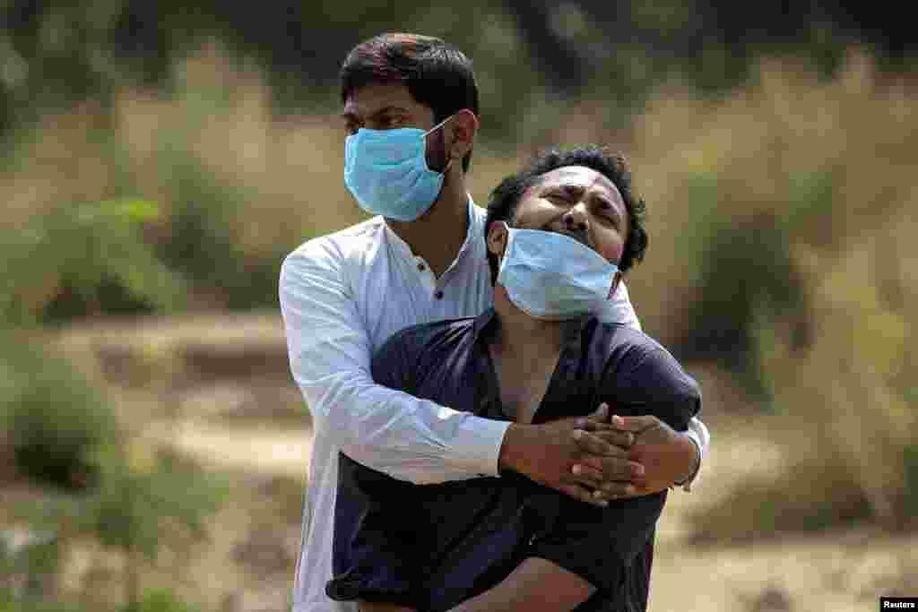 بھارت میں وبا سے ایک لاکھ 75 ہزار سے زائد افراد ہلاک ہو چکے ہیں۔