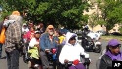 美国各地残障人士在华盛顿举行抗议