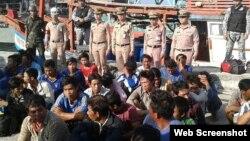 Hình tư liệu - Các thuyền viên Việt Nam trên 7 tàu cá bị cảnh sát Thái Lan bắt ở Nakhon Si Thammarat, Thái Lan.