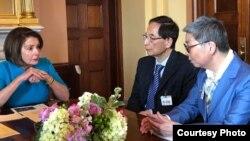 眾議院議長佩洛西與前立法會議員李柱銘和吳靄儀討論香港情況 (資料照: 反對引渡修例美加團提供照片)