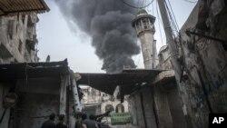 Pasukan pemerintah Suriah terus menggempur kubu pertahanan pemberontak di pinggiran Damaskus (foto: dok).