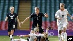 Футбольный матч между женскими сборными Великобритании и Новой Зеландии