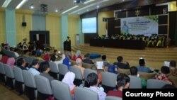 Ilmuwan Indonesia terbelenggu administrasi, paparan Al Makin di UIN Sunan Kalijaga, (8/11). (Foto Humas UIN)