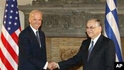 «Είμαστε έτοιμοι να βοηθήσουμε την Ελλάδα με κάθε τρόπο» δήλωσε ο αντιπρόεδρος των ΗΠΑ Τζο Μπάιντεν