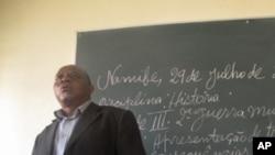 Namibe: Necessita de mais cento e noventa salas de aulas
