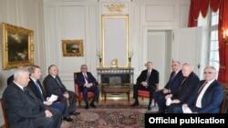 Azərbaycan və Ermənistan prezidentləri görüşüb