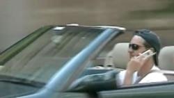 美国禁止驾车时使用手机