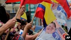 El escrutinio ha alcanzado 95,52% del total, con Moreno acumulando 39,22% de los votos y Lasso 28.34%. La segunda ronda sería el 2 de abril.