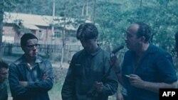 Александр Галич (крайний справа)