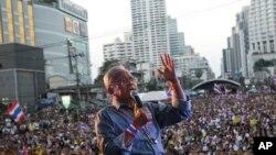 Muhalif lider Suthep Thaugsuban, destekçilerine sesleniyor