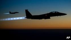 عربستان سعودی از هفتۀ گذشته به اینسو حملات هوایی را بر مواضع شیعیان حوثی در یمن آغاز کرده است
