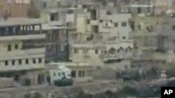 군 탱크가 포진한 시리아 항구도시 라타키아