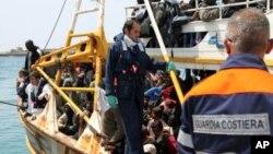 له کهشـتیـیهکدا 25 کۆچبهری لیبیایی به مردوویی دهدۆزرێنهوه